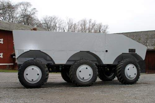 Side view of the SEP armoured military vehicle
