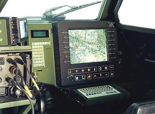 The SIT terminal information system allows the exchange of digitised data, for example the tactical situation between the vehicle and the unit command.