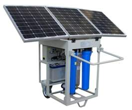 Mobile solar water purification unit
