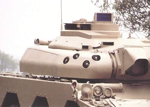 AMX 10RC using the mantlet sight turret