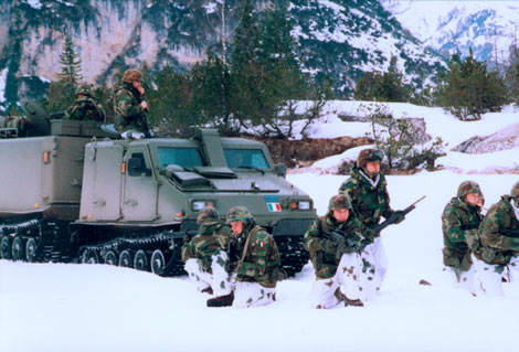 Troop using the Bv206S during training operations in the snow