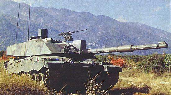 Challenger 2 during trials for the Greek Army.