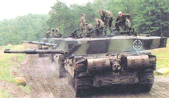 The Royal Scots Dragoon Guards on exercise with Challenger 2s.