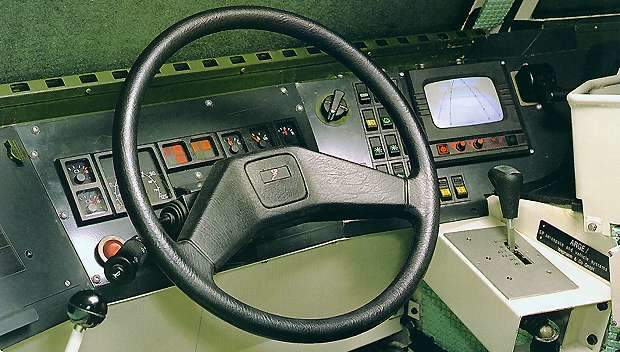 Fenek vehicle drivers station