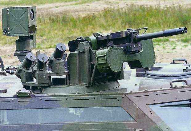 electrically controlled gun mount on the Fennek