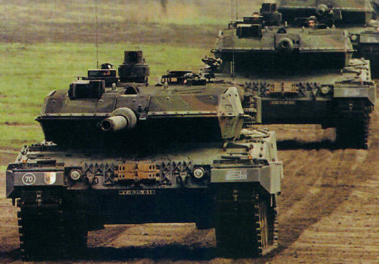 Two Leopard 2A5's of the German Army.