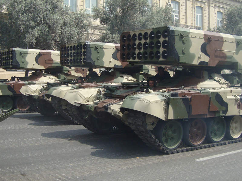 The chassis of the launch vehicle is similar to that of the T-72 main battle tank.