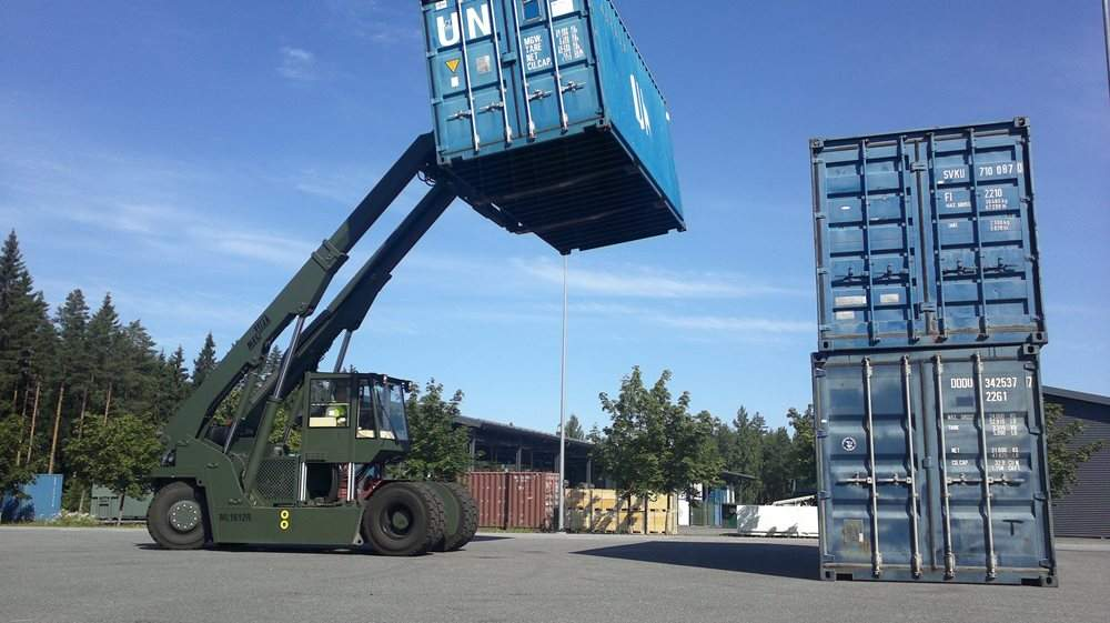 7-ML1612R-lifts-20ft-container