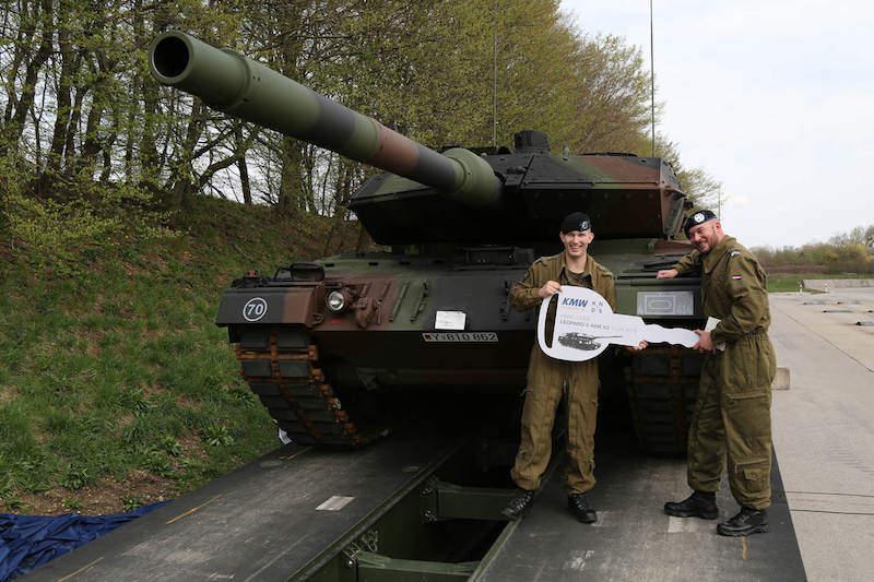 Germany_Dutch_tanks_Army 3_