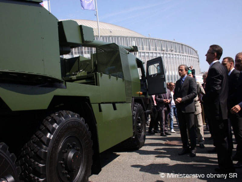 The EVA 155mm 6x6 truck-mounted self-propelled howitzer was unveiled at IDET 2015. Image courtesy of Ministry of Defense of Slovak Republic.