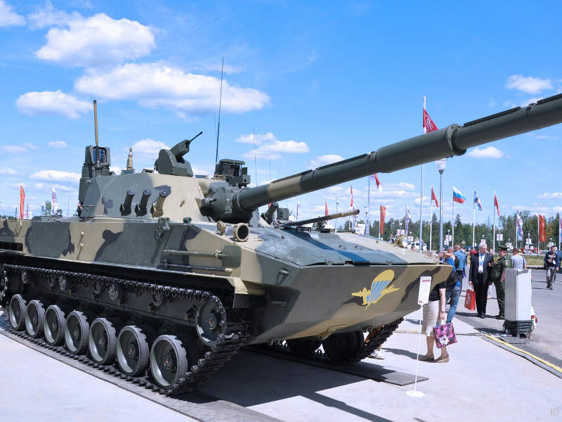 Sprut-SDM1 light amphibious tank is developed by Russian firm Tractor Plants Concern. Image courtesy of Rosoboronexport.