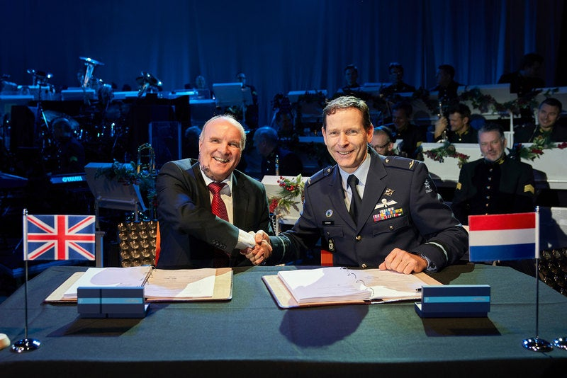 Contract-signature-Royal-Netherlands-Air-Force-201218_800x