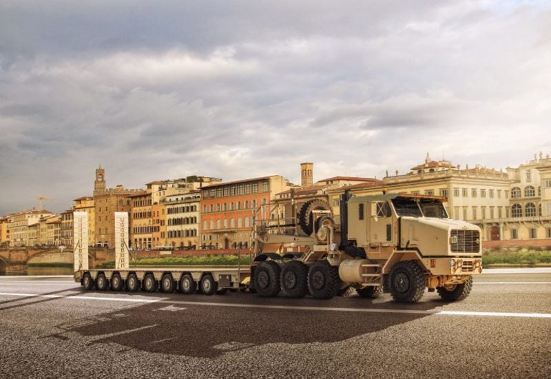 HET semitrailers Oshkosh Defense