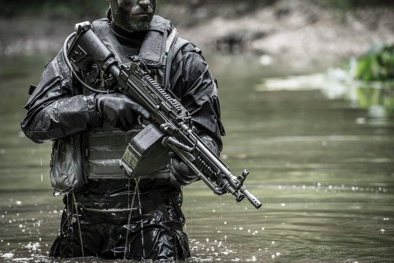 FN_MINIMI_5_56_Mk3_Tactical_SB_atmo_0003_800x