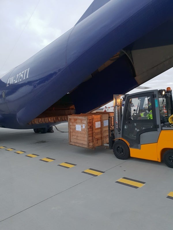 Loading_cargo_into_chartered_aircraft_600x