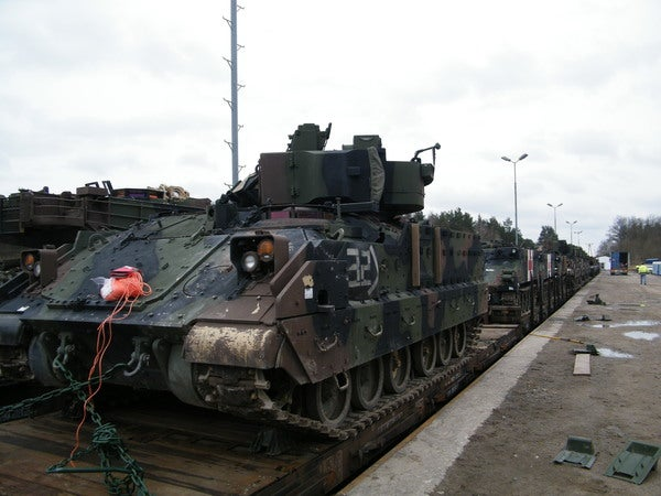 Securing_tanks_on_railcars2_600x