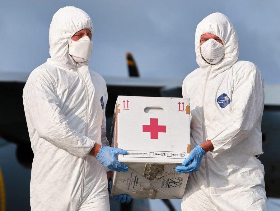 main_raf-delivers-medical-supplies