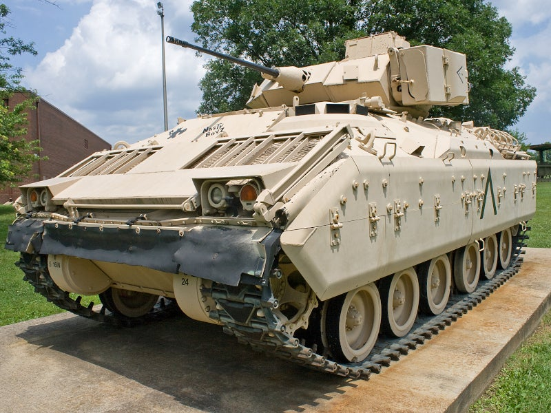 Bradley M2/M3 - Tracked Armoured Fighting Vehicle