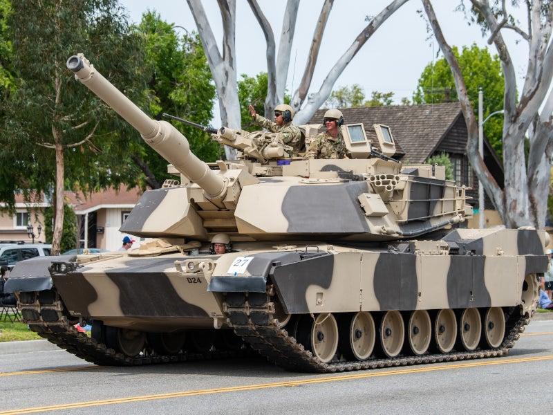 Image 1-M1A1-2 Abrams Main Battle Tank