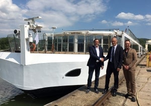 Steyr Motors joins forces with Austrian shipyard OSWAG