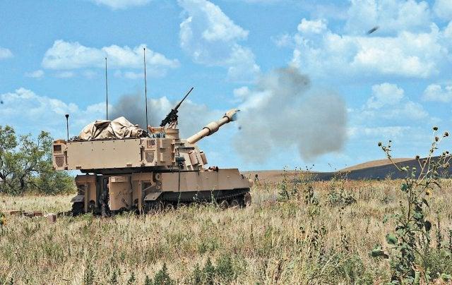 155mm_M109A6 Paladin_US Army