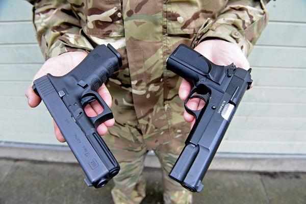 Glock_17_pistol