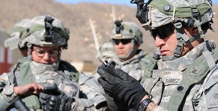 Soldiers using smartphones